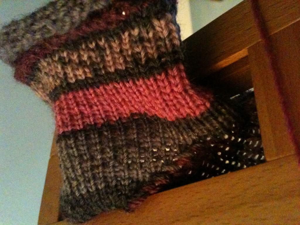 k = knit stitch (loom knit) - GoodKnit Kisses